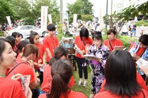 第5回大江戸新座祭りに本学学生、教職員がボランティアとして参加しました
